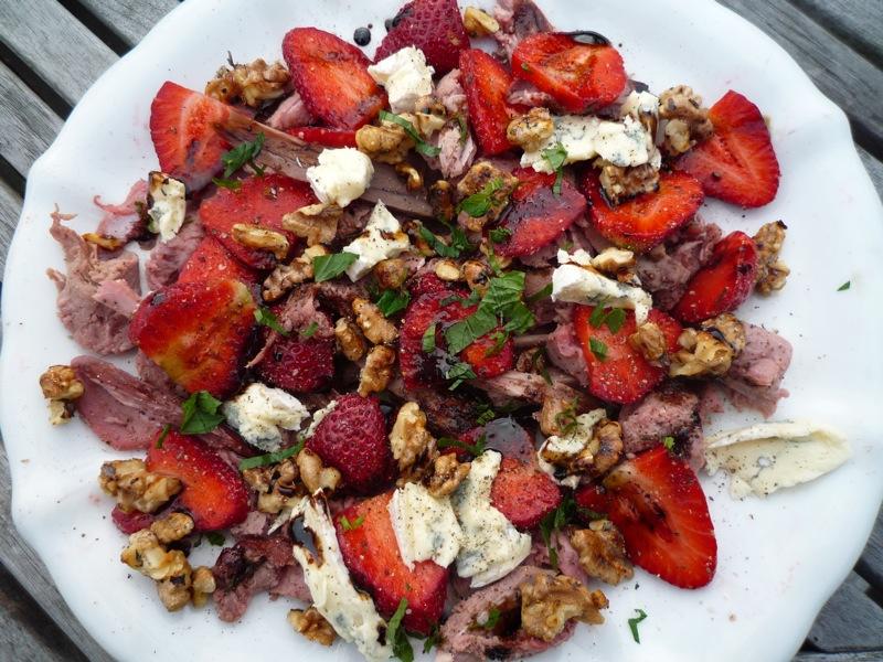 Salat med dyrekød